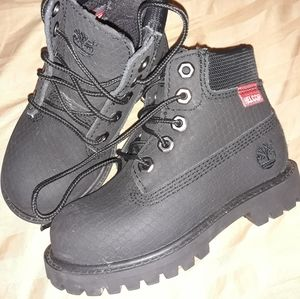 Boys/kids/toddlers Timberland boots size 9
